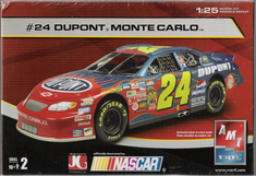 AMT 38069A #24 Jeff Gordon Dupont 1/25 nascar kit