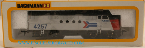 Bachmann 0681 EMD FT diesel Amtrak # 4257 Dummy Unpowered HO