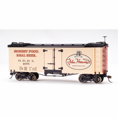 Bachmann 27467 On30 Spectrum Billboard Reefer, John Harvard Brew