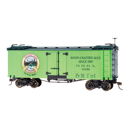 Bachmann 27468 On30 Spectrum Billboard Reefer, Kennebec River