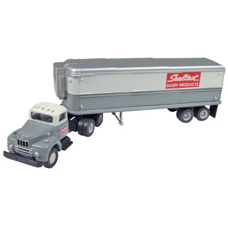 Classic Metal Works 31121 HO IH R-190 w/Aerovan Trailer, Sealtest