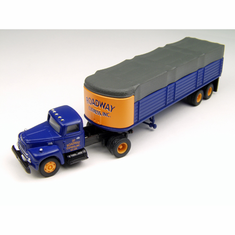 Classic Metal Works 31128 HO IH R-190 w/Covered Trailer, Roadway