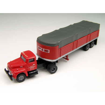 Classic Metal Works 31129 HO IH R-190 w/Covered Trailer, PIE