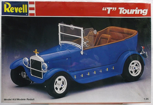 "Revell 7144 "" T "" Touring 1:25th scale kit"