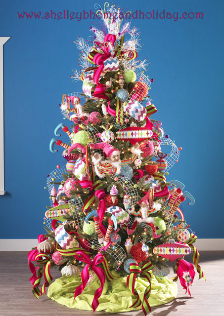Candy christmas tree photo shelley b home and holiday for Candy xmas tree decoration