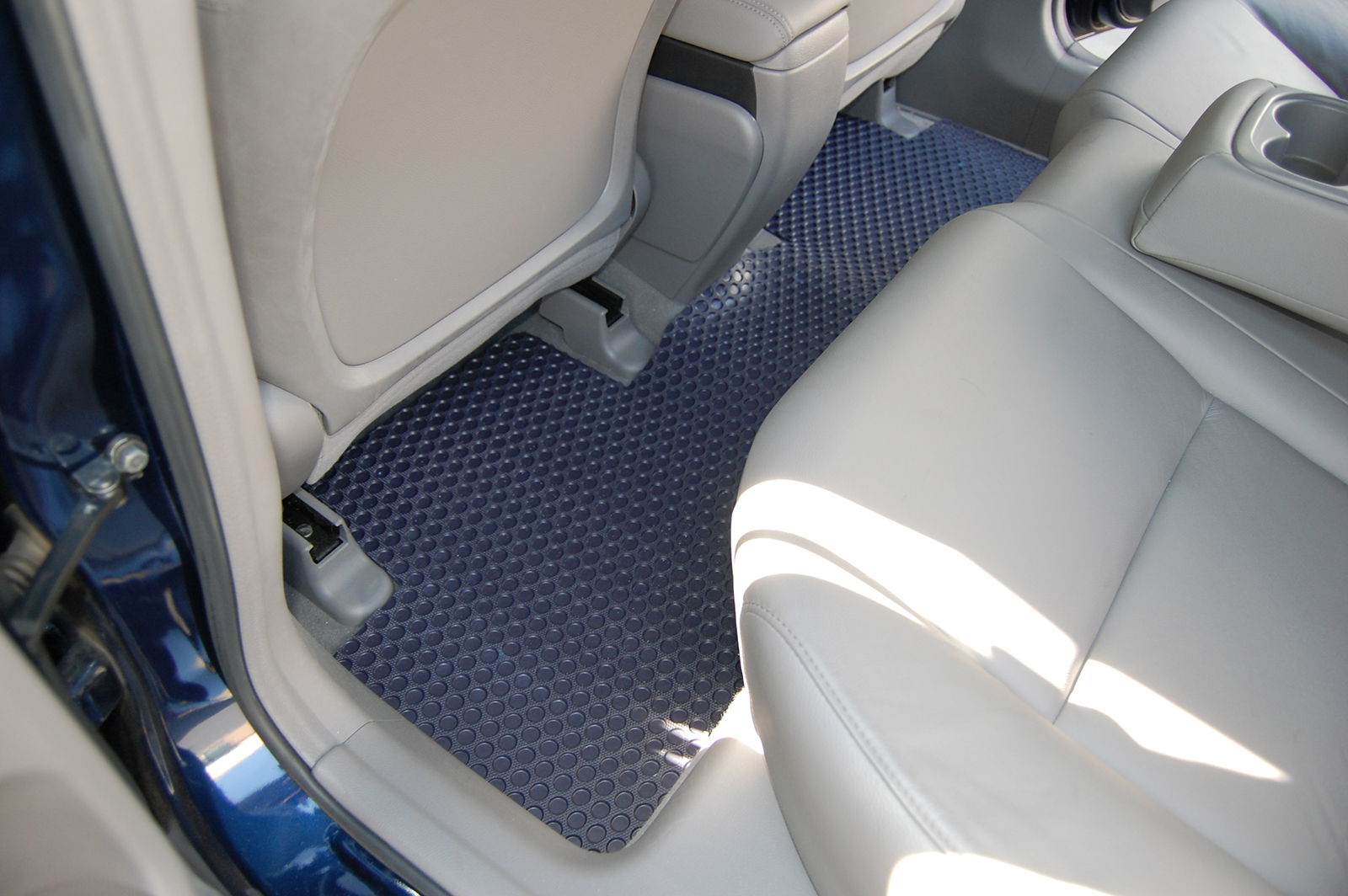 Weather Car Mats >> GMC Yukon Denali All Weather Floor Mats - 2015 - 2018