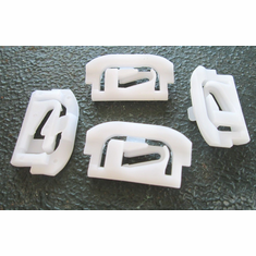 GM AMC Chevrolet Windshield to Panel Lower Side Moulding Clips (20) Plastic