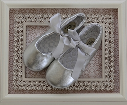 Designer's Touch Girls Leather Ballet Slippers in Silver (1Infant)