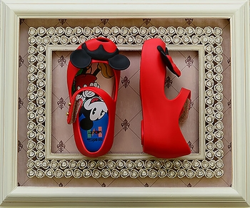 Mini Melissa Mickey & Minnie Ultragirl (Size 6)