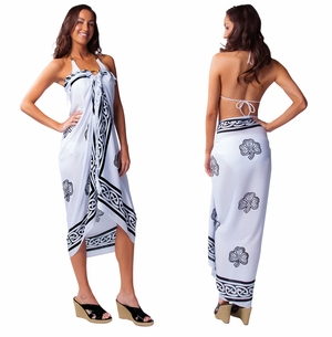 Celtic Sarong in Shamrock Trinity White / Black