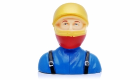 Pilot with Sport Helmet L66xW40xH69mm 1/6 25g FM32-113