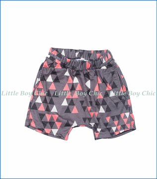 Joah Love, Triangle Print Shorts in Grey