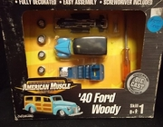 2x - AmMuscle 30298     --     '40 Ford Woody   1:64