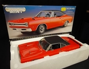 AmMuscle 32075     --    1969 Dodge Coronet R/T 426 Hemi   /   Serialized 1 of 7,499    1:18