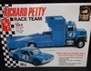 "AMT 1072/06    --    Richard Petty Race Team / Slant-Bed Transporter Truck with Loading Ramp & Dodge Dart ""Kit Car"" Late-Model Sportsman 1:25"