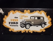 AMT    --      1932 Ford Victoria   3'n1     1:25
