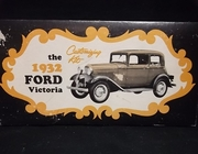 "AMT   --   1932 Ford ""Victoria"" 3'n1   1:25"