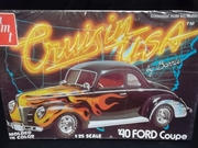 AMT 2251   --   '40 Ford Coupe Cruisin USA Series by Barris  1:25