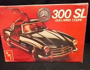 AMT 2304    --     Mercedes 300 SL Gull-Wing Coupe   1:25