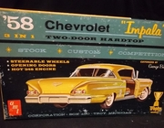 AMT 2758-200    --     1958 Impala Two-Door Hardtop 3'n1 / Customized by Barris  1:25  (bad decals)