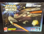 AMT 30118     --      Trade Federation Droid Fighters  SnapFast   1:48
