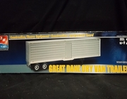 AMT 31943   --    Great Dane Dry Van Trailer   1:25