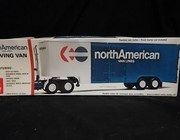 AMT 5201    --    North American Moving Van   1:25