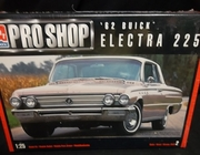 AMT 6116   --     '62 Buick Electra 225    1:25