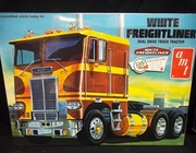AMT 620   --    White Freightliner Dual Drive Truck Tractor /  Super-Detail   1:25