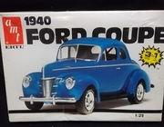 AMT 6581    --   1940 Ford Coupe   3'n1   1:25