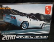 AMT 677   --    2010 Corvette Convertible   1:25