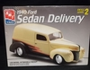 AMT 8215   --     1940 Ford Sedan Delivery    1:25