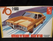 AMT X855    --    1970 T-Bird  / Motor City Stocker Series   1:25