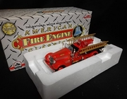 Corgi 53303      --     Seagrave Sweetheart Grill Woonsocket Fire Department  1:50