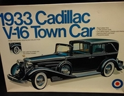 Entex 9029    --    1933 Cadillac V-16 Town Car   1:16