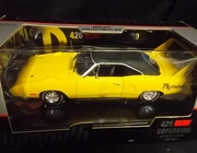 SOLD OUT!!   Ertl 29523     --     1970 Plymouth 426 HEMI Superbird  /  Limited Edition 1 of 1,998    1:18