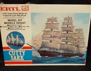 Ertl 8092     --       'Cutty Sark'    includes display stand     1:350