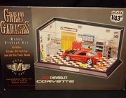 Estes 8001     --     Great Garage Model Display Kit   / includes: Die Cast Corvette, Garage and all Tools shown   1:43