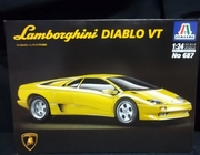 Italeri 687   --    Lamborghini Diablo VT   1:24   (some parts off tree)