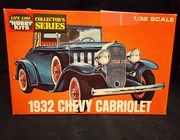 Life-Like C291     --     1932 Chevy Cabriolet  1:32