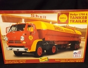 Lindberg 118/06     --     'Shell' Dodge L700 & Tanker Trailer 1:25