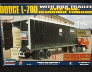 Lindberg 73071    --    Dodge L-700 with Box Trailer  1:25