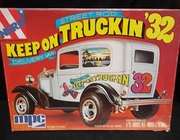MPC 0767    --    'Keep On Truckin' '32 Ford Street Rod/Delivery Van  1:25
