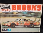 MPC 1705-225   --   Richard Brooks' #22 NASCAR Charger   1:25