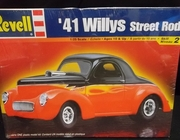 SOLD OUT!!!    Revell 2371   --     '41 Willys Street Rod   1:25