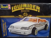 Revell 2888     --   '92 Mustang GT Convertible Lowrider   1:24