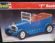"Revell 7144   --    ""T"" Touring   1:25"