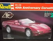 Revell 7347     --     40th Anniversary Corvette 1953 to 1993     1:24