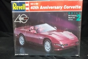 Revell 7347   --    40th Anniversary Corvette '1953 to 1993'    1:25