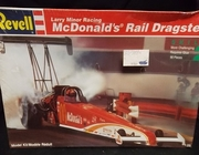 Revell 7354    --   Larry Minor Racing McDonald's Rail Dragster  1:25